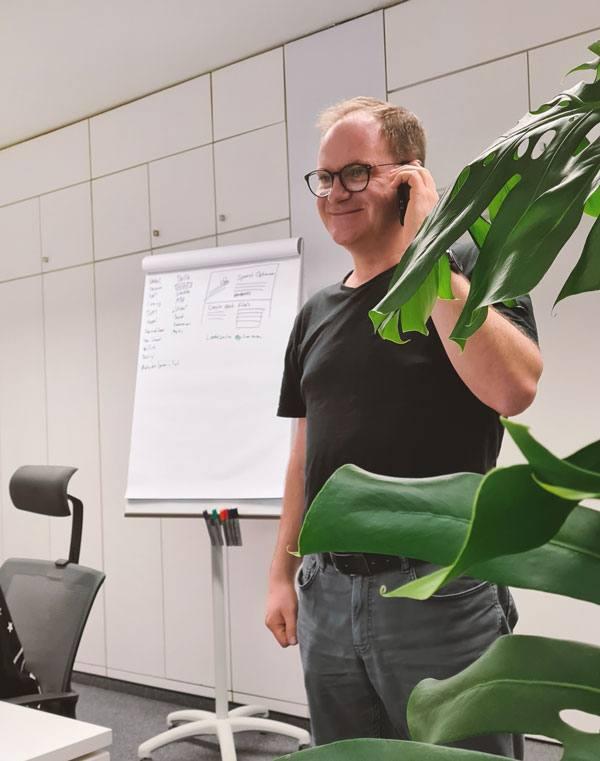 Dirk Mathienz im Kundengespräch